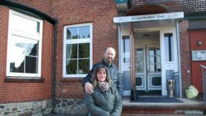 Über uns - Christos und Familie im Stapelfelder Hof bei Hamburg.